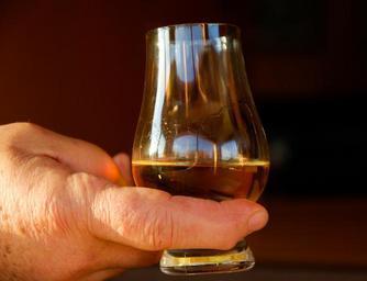 Sklenička whisky