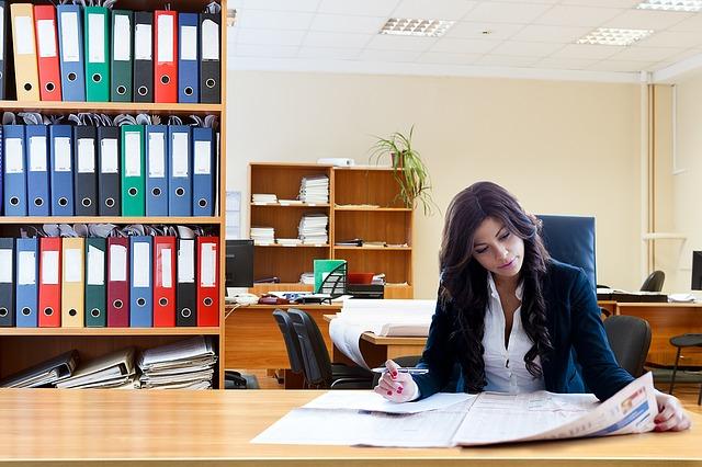 účetní v kanceláři