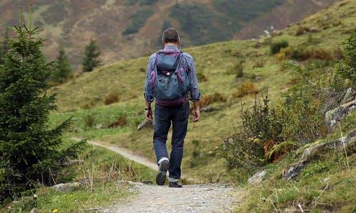 wanderer-backpack-hike-away-48137